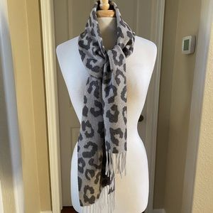 NWOT Cashmere Scarf